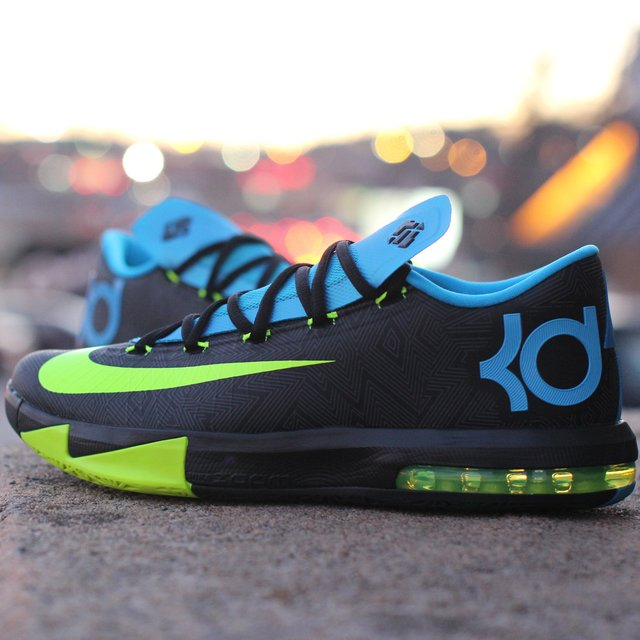 Nike KD VI Basketball Shoe