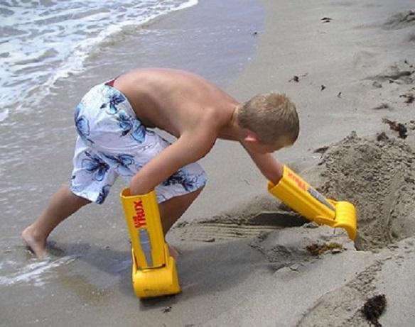 HandTrux Digging Toy