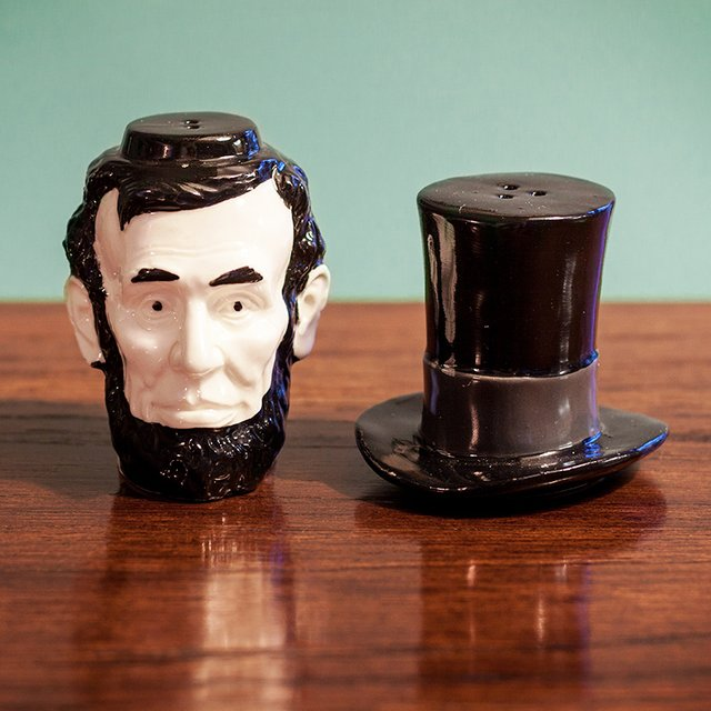 Abraham Lincoln Salt & Pepper Shakers