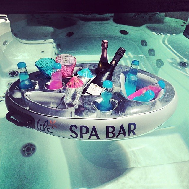 Floating Spa Bar